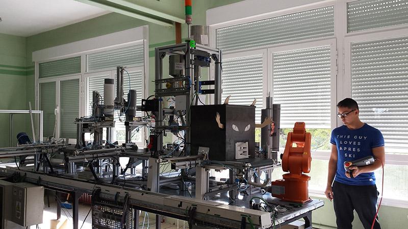 Título De Técnico Superior En Automatización Y Robótica